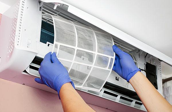 Bạn nên vệ sinh máy lạnh định kỳ