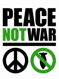 Friedensrune und Bomben-Verbors-Symbol «Peace Not War».