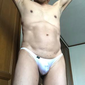 3cmクロッチの白ビキニ