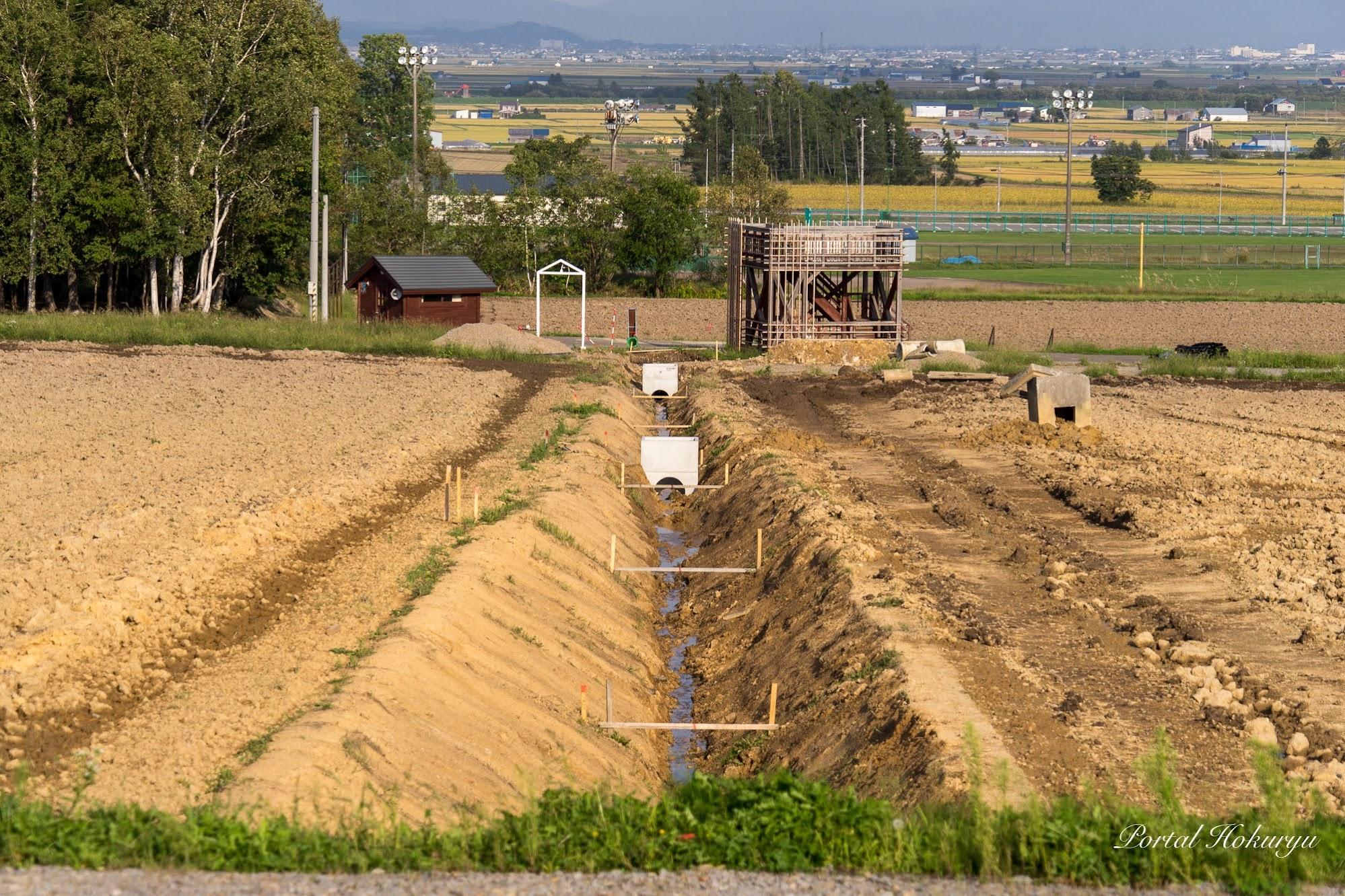 排水パイプの埋設工事