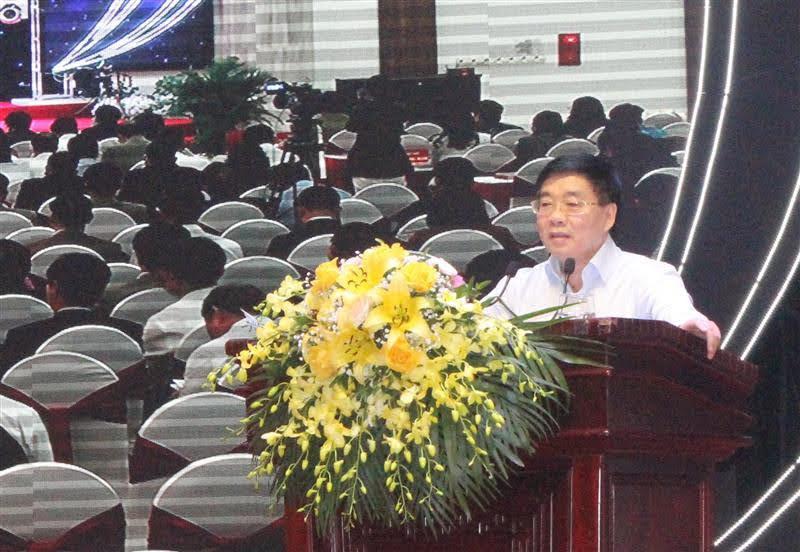 Phó Bí thư Thường trực Tỉnh ủy Nguyễn Văn Thông quán triệt nội dung các chuyên đề tại Hội nghị