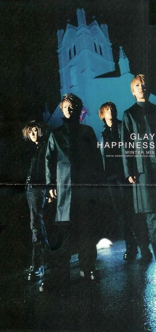 "Capa do single ""HAPPINESS -WINTER MIX-"" – 8cm."