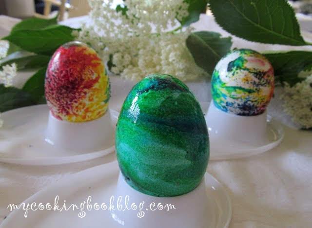 Боядисване на Великденски яйца с желатин