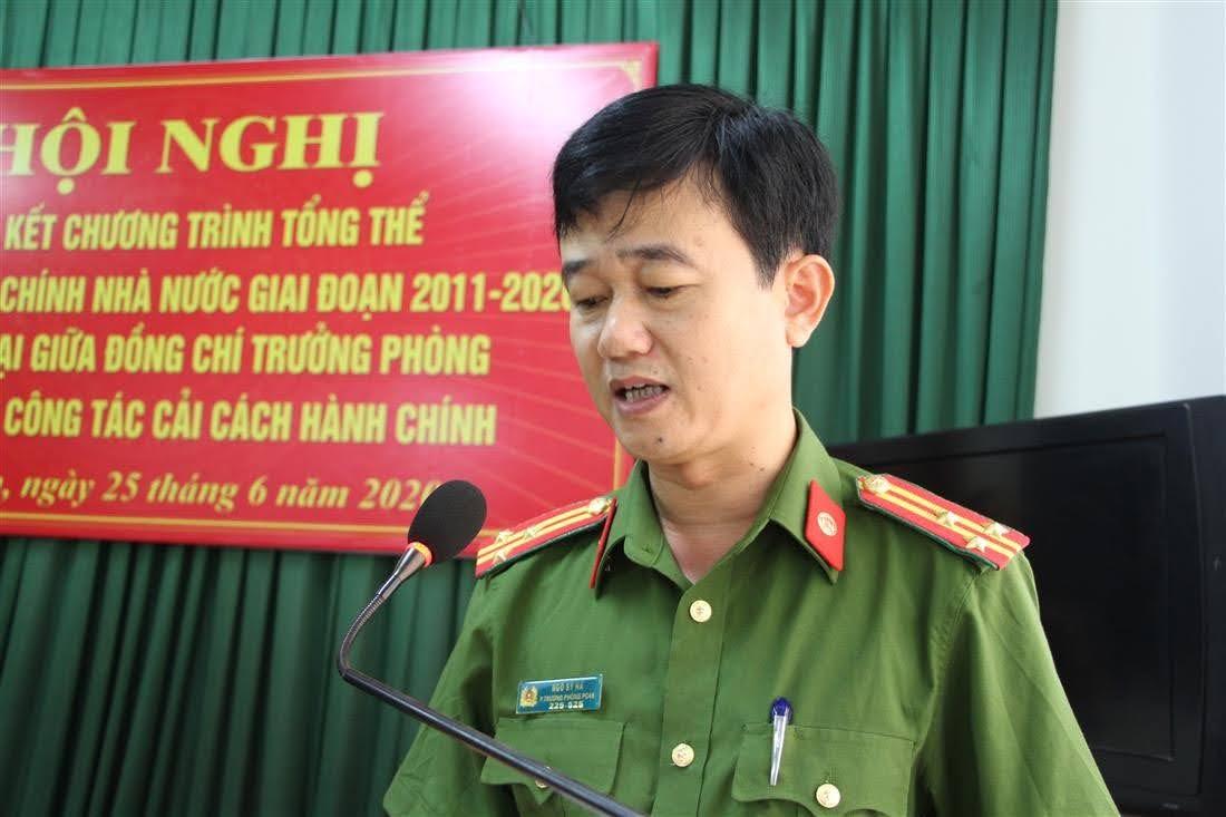 Thượng tá – Ngô Sỹ Hà, Phó Trưởng Phòng báo cáo tổng kết 10 năm thực hiện công tác CCHC của Công an tỉnh giai đoạn 2011- 2020