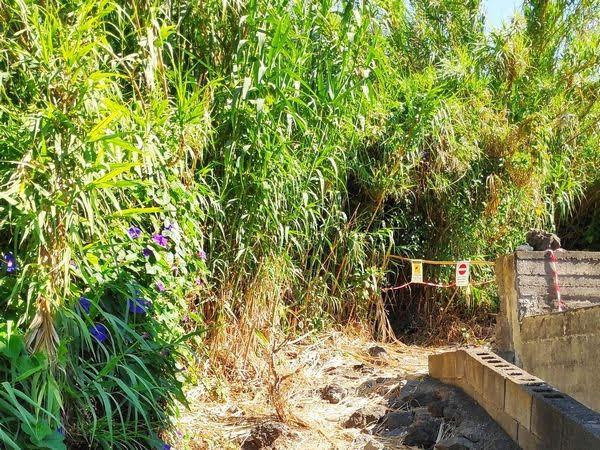 Barriera con guardia sull'accesso al fiume della Timpa Leucatia