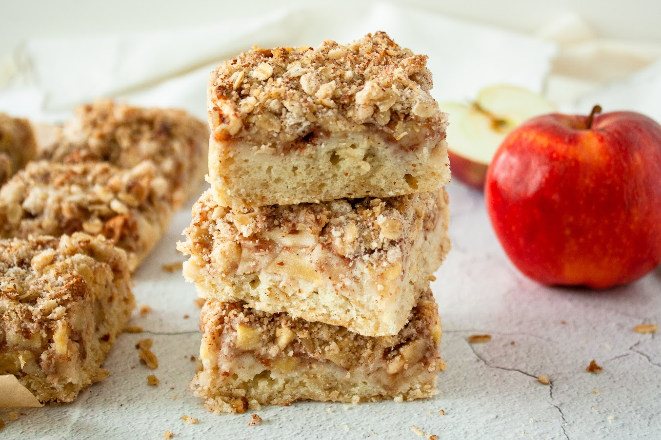 Healthy, Autumn Apple Crisp Bars