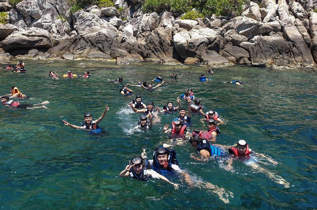 Lặn ngắm san hô ở Cù Lao Chàm