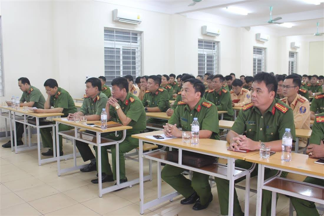 Các đại biểu tham dự buổi bế mạc
