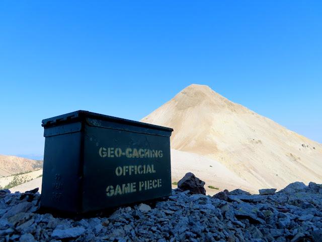 Geocache in the saddle below Belknap