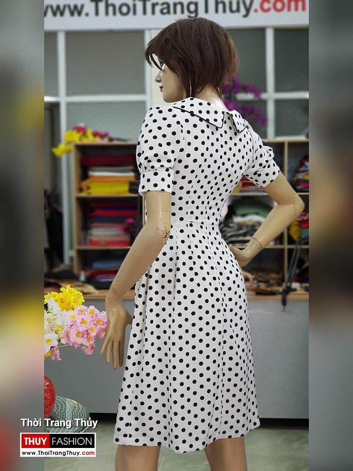 Váy xòe midi vải lụa chấm bi đen trắng dài qua gối V708 thời trang thủy 2