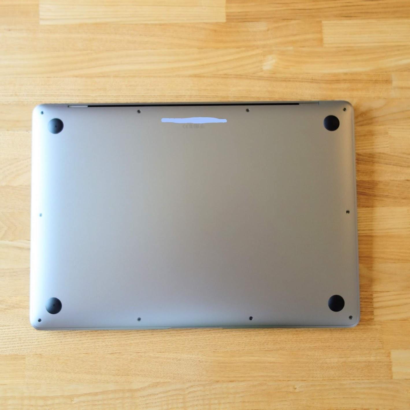 MacBook Air 2020外観背面