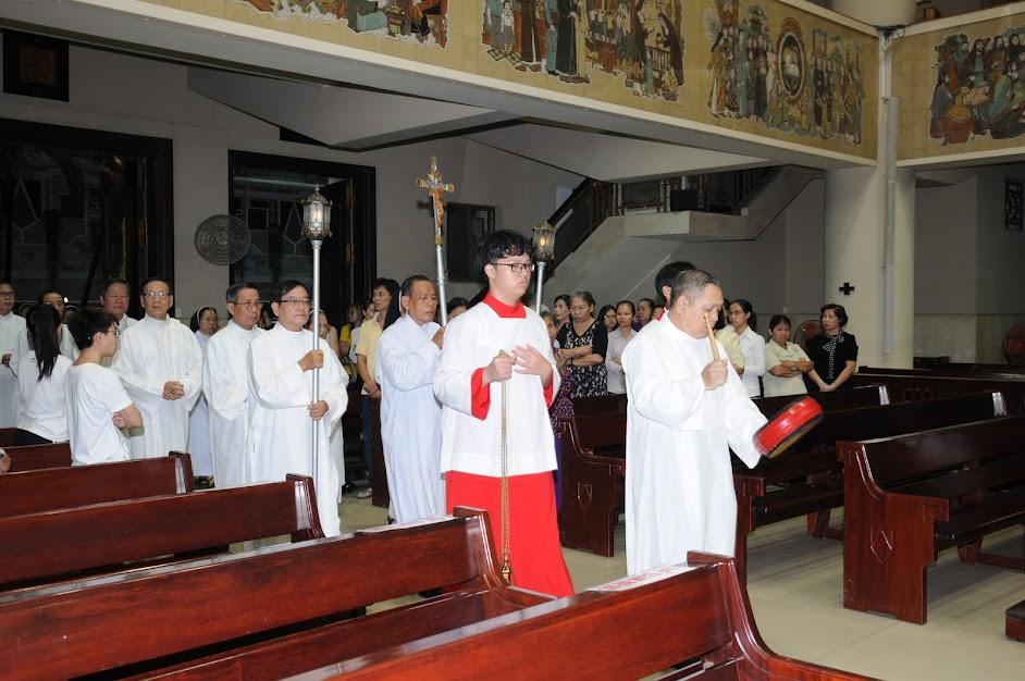 Ngày truyền thống Ban thừa tác viên cho rước lễ