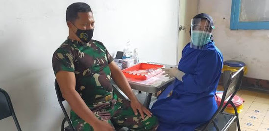 Vaksinasi TNI di Kota Malang Jawa Timur