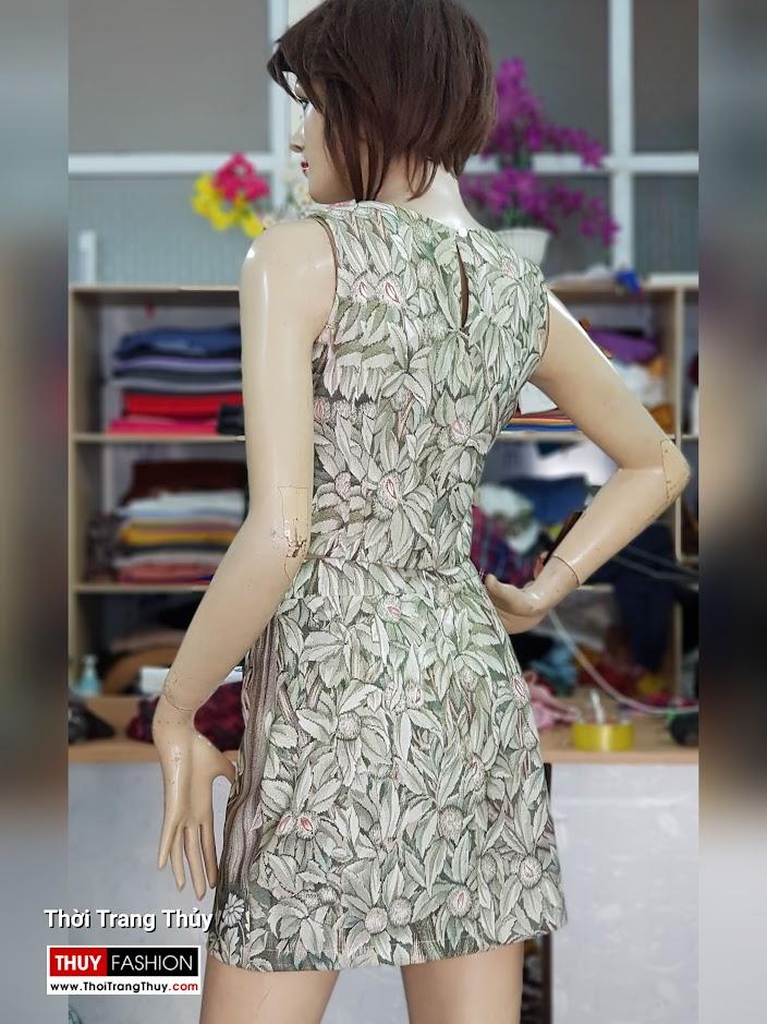 Bộ áo croptop và chân váy xòe chữ A họa tiết hoa lá V712 thời trang thủy quảng ninh