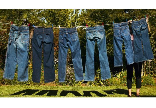 Nên phơi quần jean ngay khi vừa giặt xong