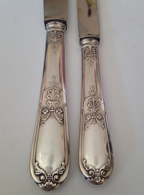 Coffret Ménagére de 24 Couteaux Métal Argenté Style Louis
