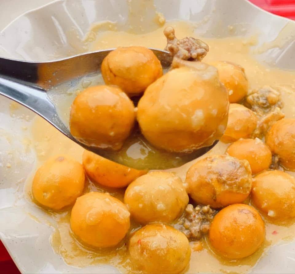 Trứng gà sốt trứng muối quán Sài Gòn ốc, nhum ở Dương Quảng Hàm, Gò Vấp
