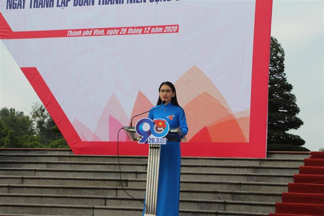 Đại diện đoàn thanh niên tỉnh Nghệ An phát biểu hưởng ứng đợt thi đua