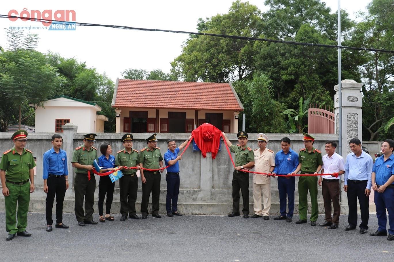 Khánh thành công trình hệ thống điện xung quanh Nhà tưởng niệm Bộ trưởng Trần Quốc Hoàn