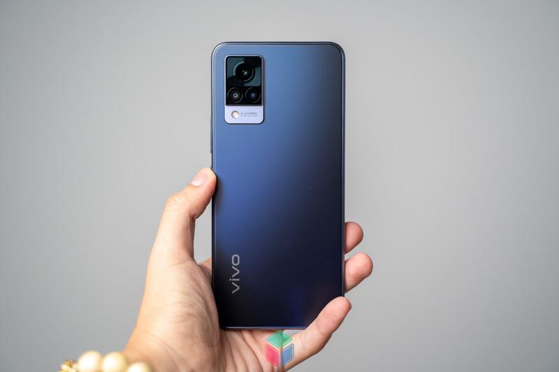Vivo V21 5G: Trên tay mẫu máy cận cao cấp từ vivo có gì hay