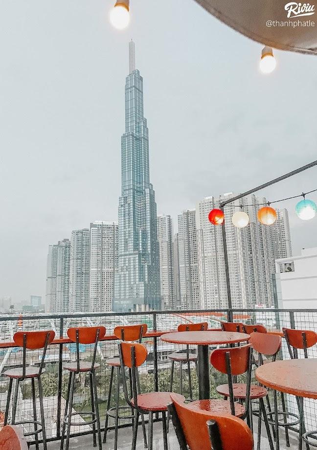Vivu Rooftop ở Ung Văn Khiêm Bình Thạnh.