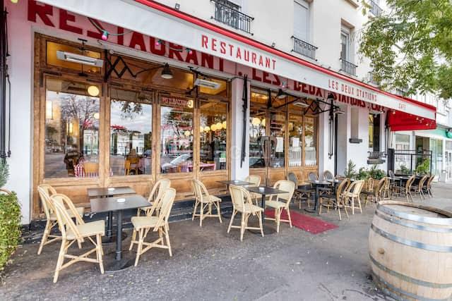 エミリー、パリへ行く ミンディとお茶 / Les Deux Stations