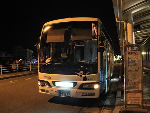 西鉄高速バス「桜島号」夜行便 4012 鹿児島本港改札中