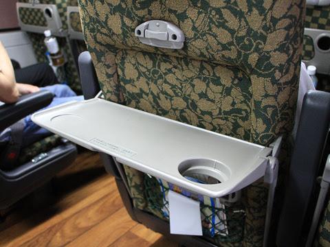 JR九州バス「B&Sみやざき」 4063 車内 テーブル
