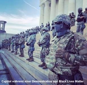Schwerbewachtes Capitol während einer Demonstration von Black Lives Matter im Sommer 2020.