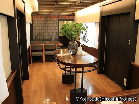 西鉄 6050形改造「THE RAIL KITCHEN CHIKUGO」 車内_02