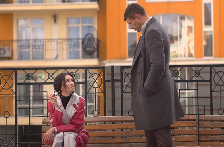 Певица KUPTSOVA и актер Алексей Тритенко поцеловались в клипе