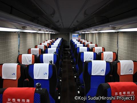 西日本JRバス「青春大阪ドリーム名古屋2号」 2243 車内