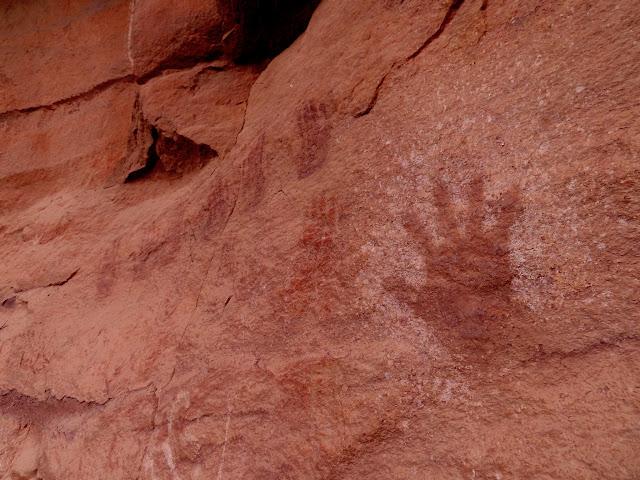Interesting red/reverse handprint pictograph
