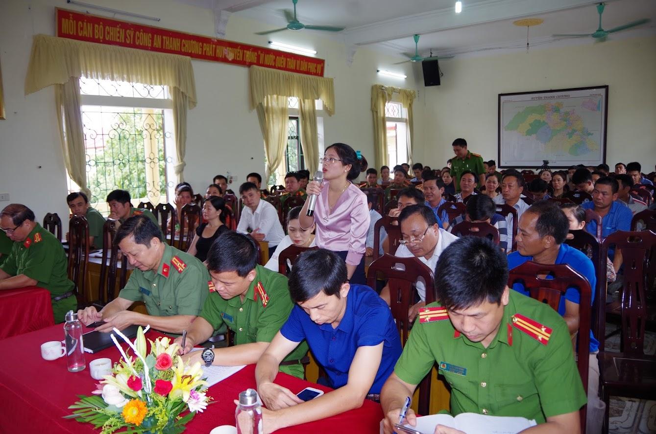 Đại diện doanh nghiệp đóng góp ý kiến tại hội nghị