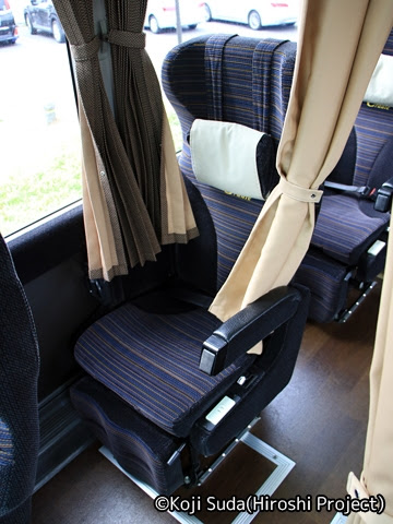 西日本JRバス「北陸道グラン昼特急大阪号」 641-4934 車内 シート
