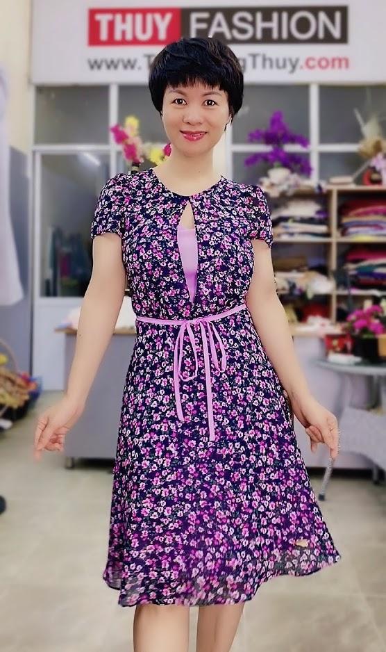 Váy xòe cổ tròn họa tiết hoa màu tím V727 thời trang thủy hải phòng
