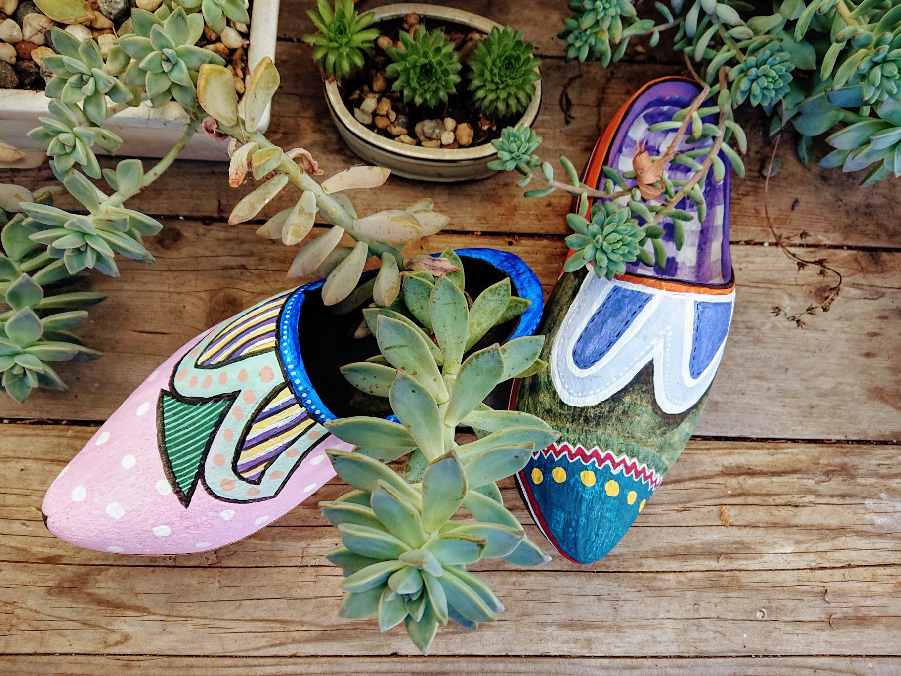 Jesus painted this dynamic and colorful pair of clogs, featuring gingham left insole. | FAFAFOOM STUDIO
