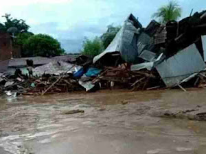 Banjir Bandang Flores Timur Puluhan Meninggal, Ratusan Orang Tertimbun Longsor Belum Ditemukan