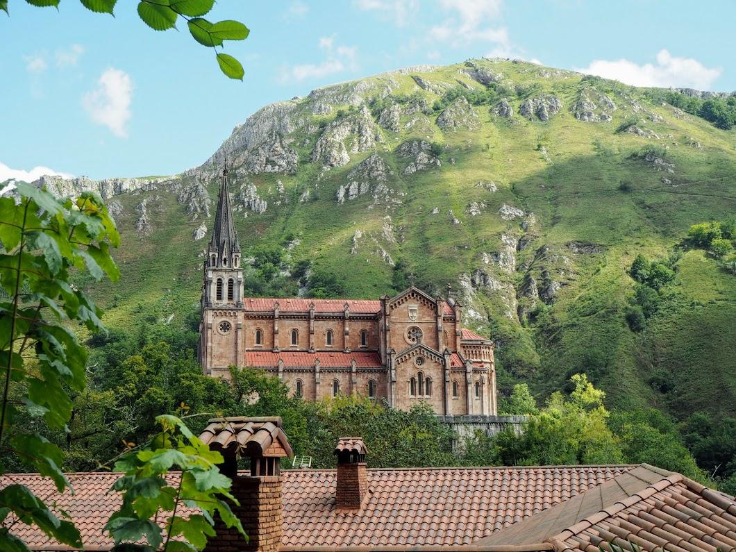 Basílica de Nuestra Señora de Covadonga