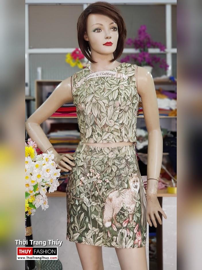 Bộ áo croptop và chân váy xòe chữ A họa tiết hoa lá V712 thời trang thủy hà nội