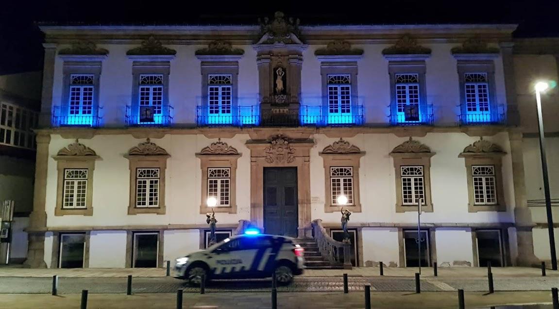 """Município de Lamego aderiu ao movimento mundial """"Light It Up Blue"""""""