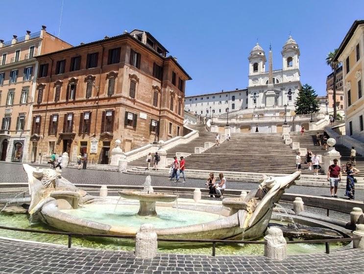 В Италию (Рим) на коротком поводке коронавируса.