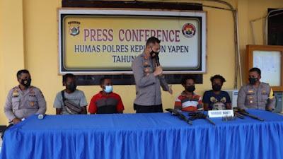 5 Anggota KKB Kepulauan Yapen Papua Serahkan Diri dan 4 Pucuk Senjata serta Amunisi