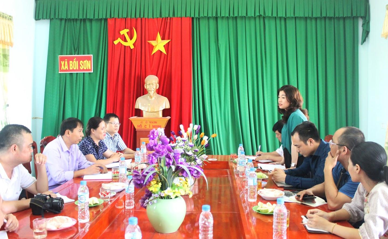 Đoàn công tác Ban Tuyên giáo Tỉnh ủy và phóng viên các cơ quan báo chí làm việc, tìm hiểu thực tế tại xã Bồi Sơn, huyện Đô Lương