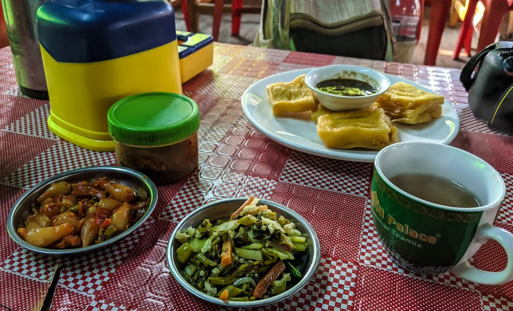 food in amarapura mandalay.jpg