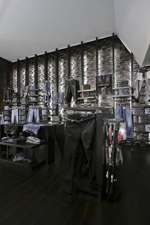 bài trí nội thất shop thời trang nam