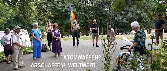 Friedensfreundinnen und -freunde «Atomwaffen? Abschaffen! Weltweit!».