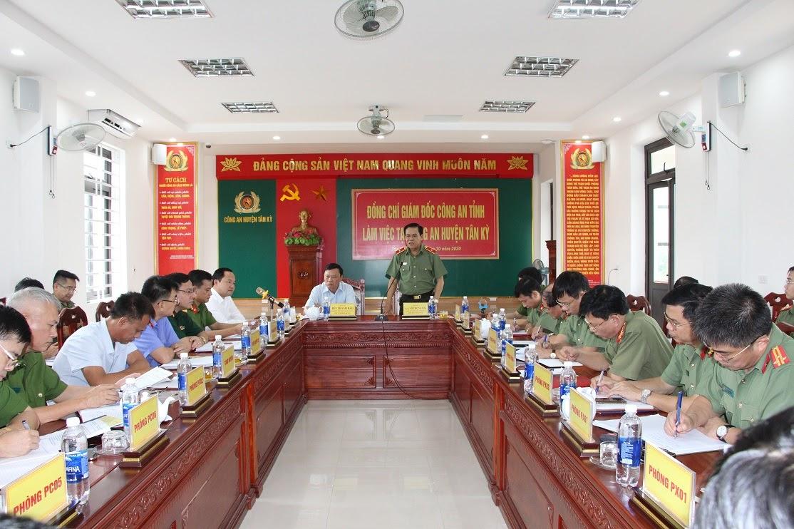 Đồng chí Thiếu tướng Võ Trọng Hải, Giám đốc Công an tỉnh phát biểu chỉ đạo tại buổi làm việc