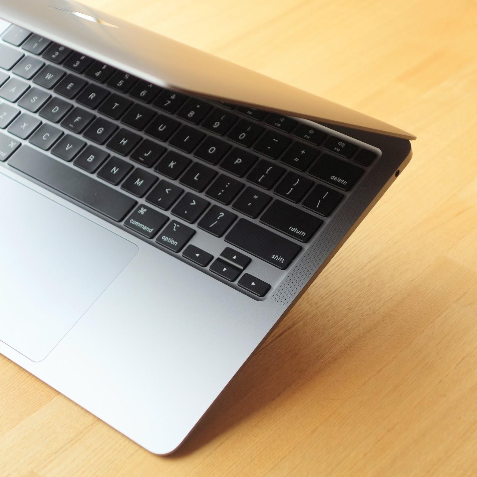 MacBook Air 2020 レビュー 外観