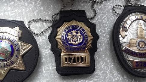 US-Polizeiuniformen und -requisiten